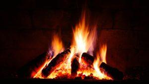 Roaring fire (credit: Pexels)